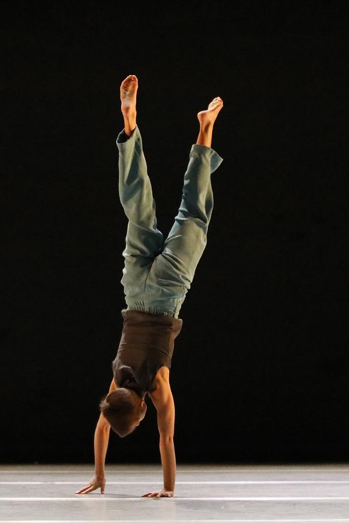 Eline Peres dance